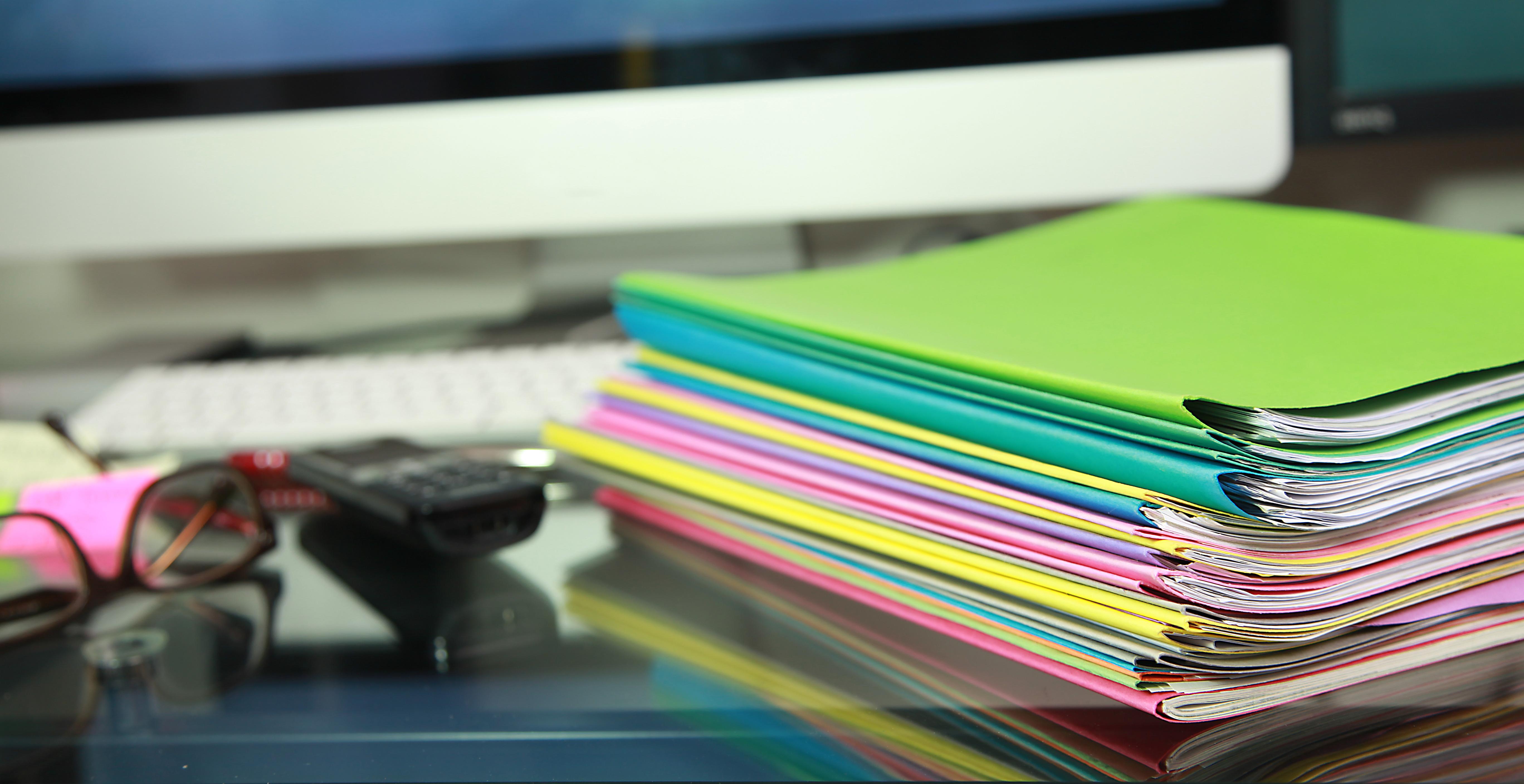 Dossier à remplir pour une demande d'APA à domicile. Il n'existe pas de dossier national pour la demande d'APA. Ce dossier propre à chaque département